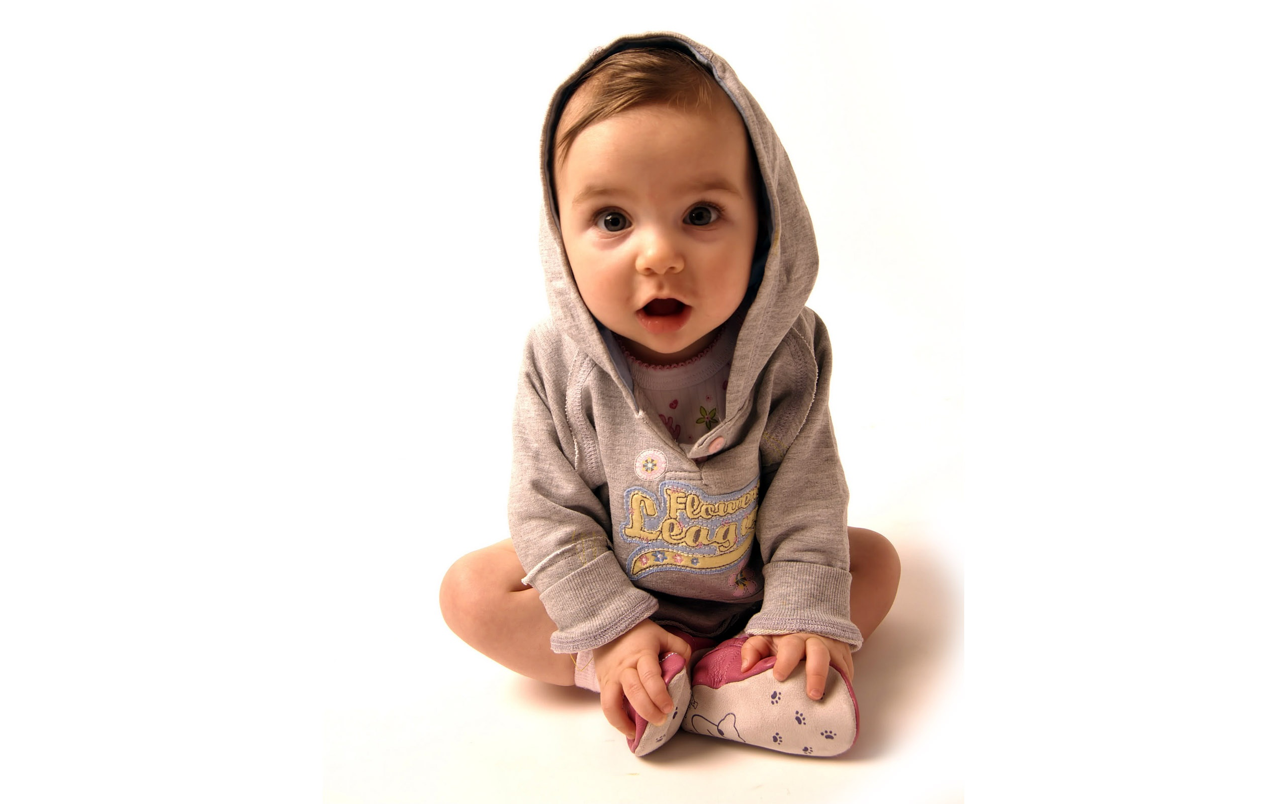 cute_little_baby_boy-2560x1600.jpg